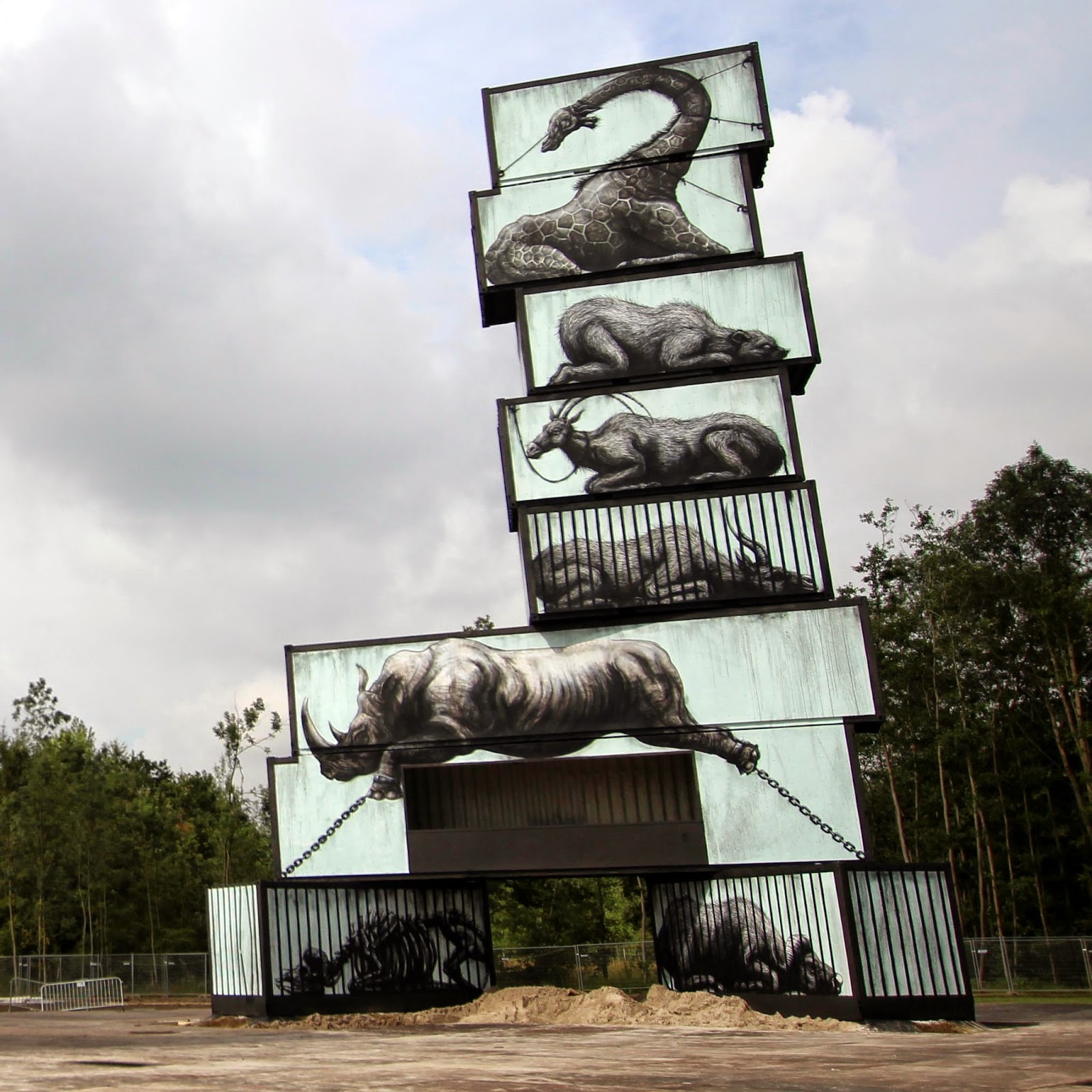 ROA is currently in Belgium where he was invited by the North West Walls Festival to paint in the city of Werchter.