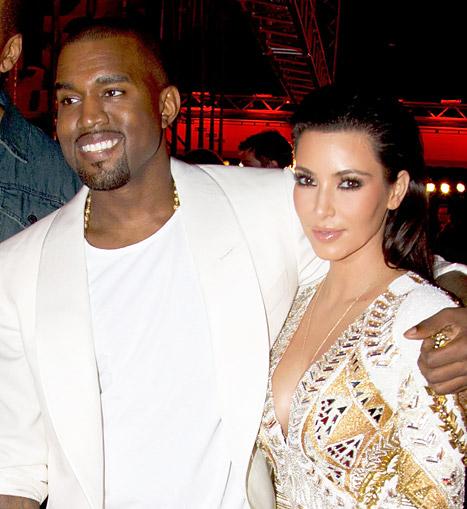 Welcome To LindaSpize Blog: Kanye West Tweets Naked