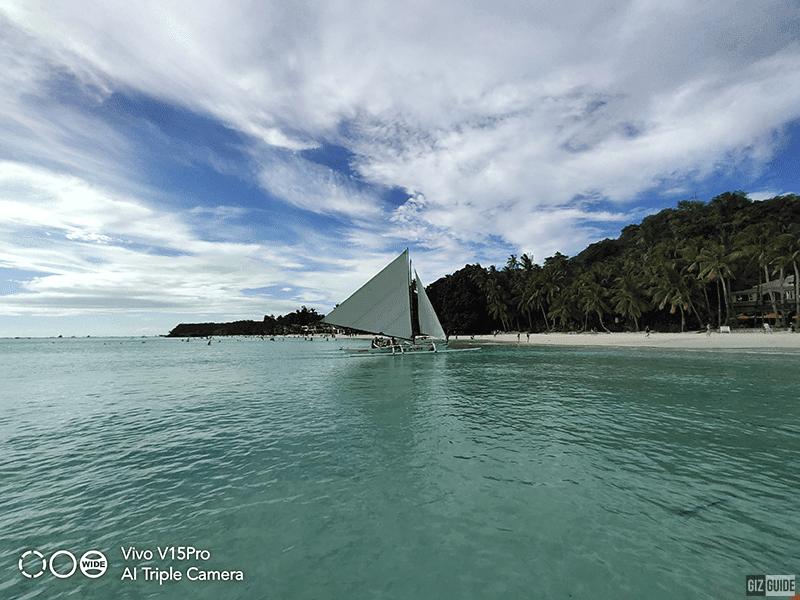 Ultra-wide boat