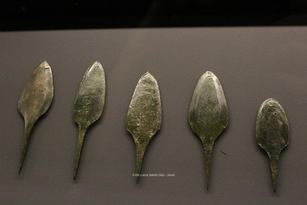 Puntas de flecha de cobre tipo 'palmela' procedentes del yacimiento de Perro Alto (Fuente Olmedo, Valladolid)
