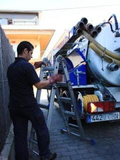 Desatascos con camión cuba | Llamar para cualquier urgencia