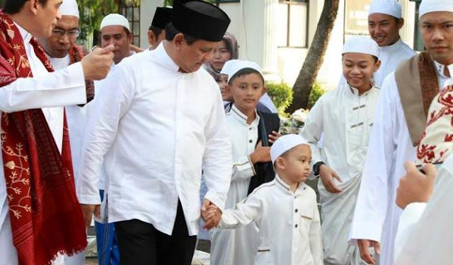 """KH Arifin Ilham Sujud Syukur, """"Prabowo Sangat Bijak untuk Tidak Membuat Umat Terpecah"""""""