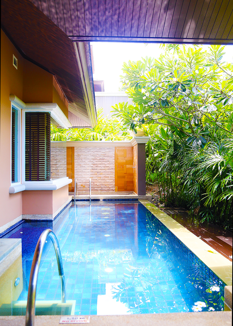 Radisson Blu Plaza Phuket hotel private pool in villa
