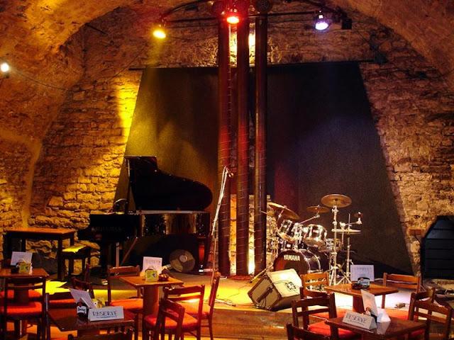 Ida a um clube de Jazz em Praga