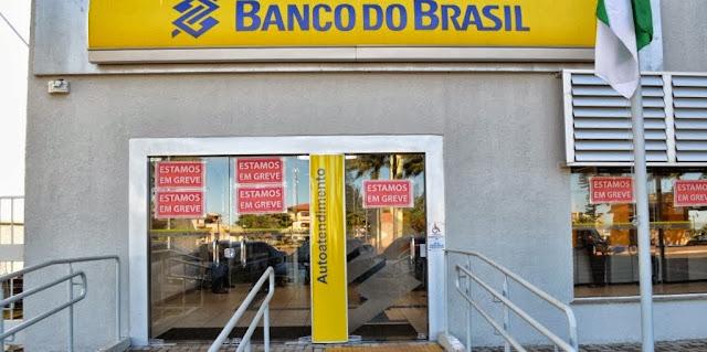 Resultado de imagem para borrazopolis banco greve