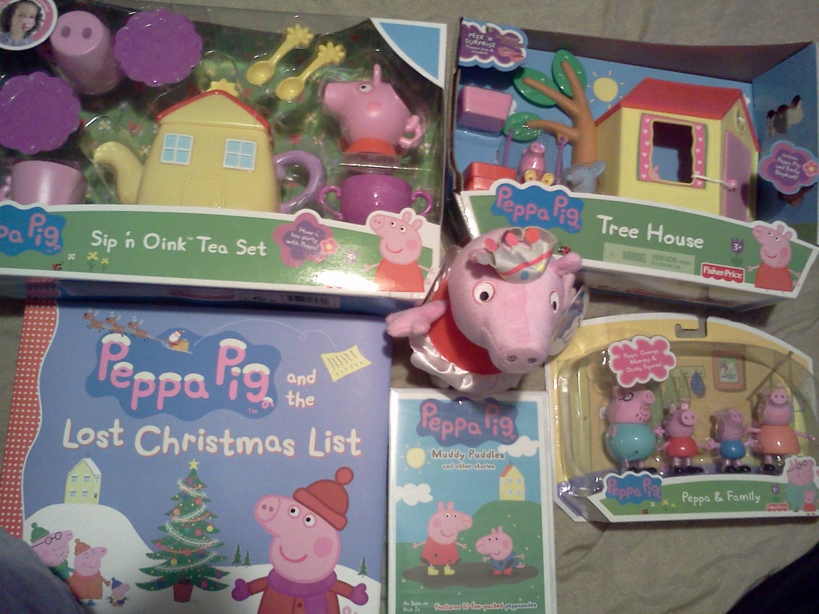 b60546e16d8 Peppa Pig Toys and Muddy Puddles DVD