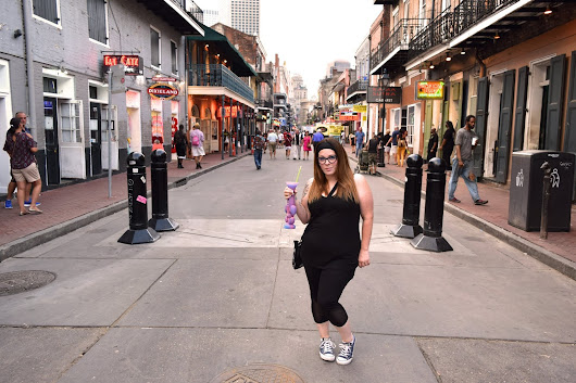 New Orleans- Booze, Sea Food, Beignet's- OH MY! ~ The Small Things
