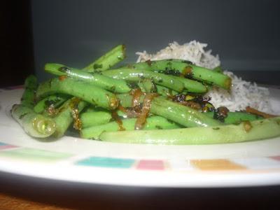 Here is a lovely recipe for Italian string beans Loubieh Bizeit + Kizbarh - Lebanese String Beans + Cilantro Recipe