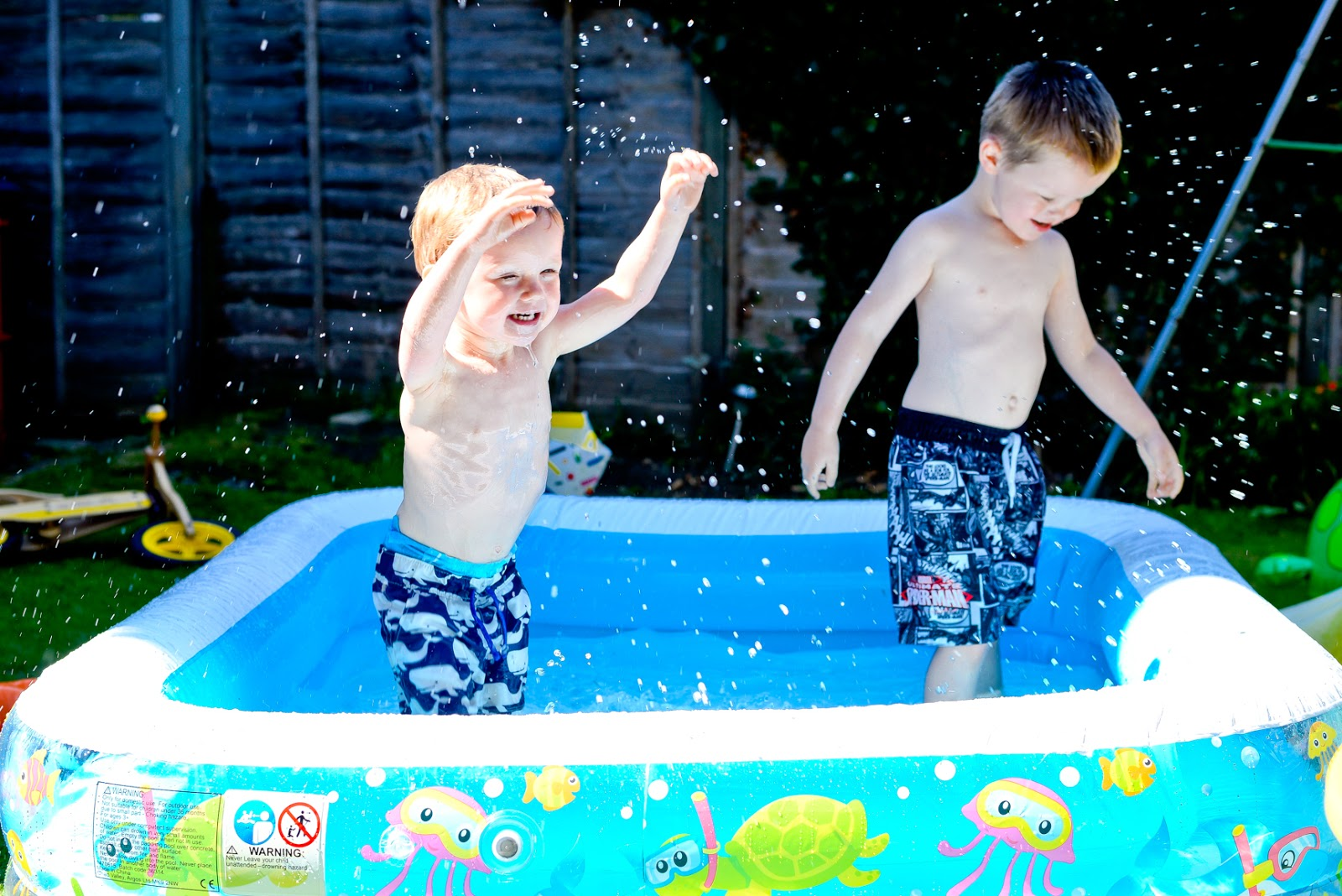 paddling pool for garden, summer days, summer family days, fun garden toys for kids,