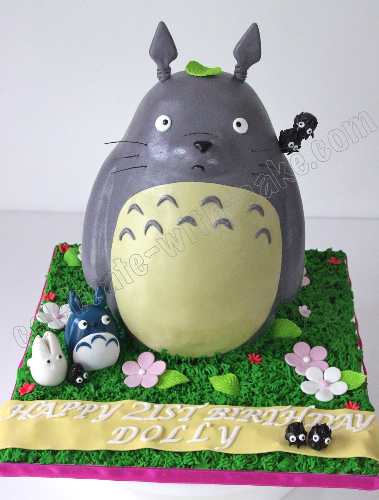 Sculpted Totoro Cake