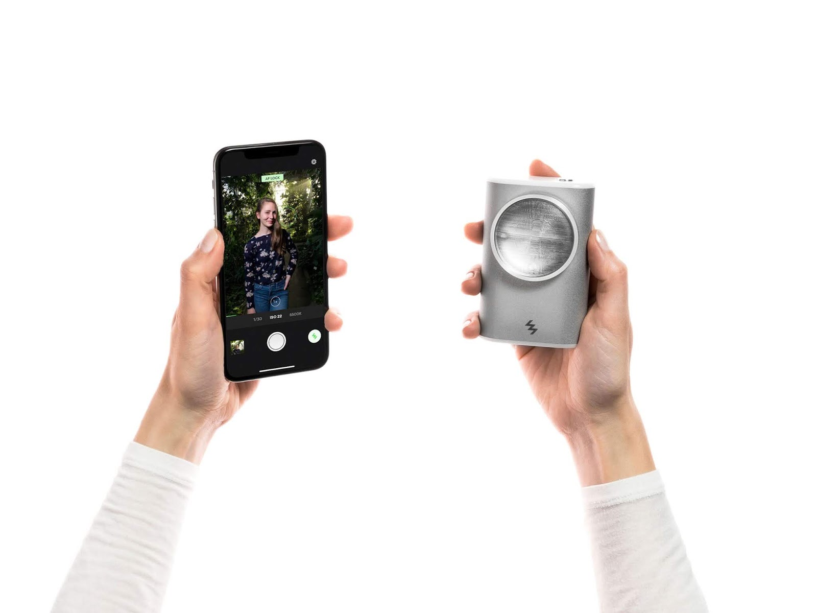 LIT Reinvents Mobile Photography with Handheld Wireless Xenon Flash