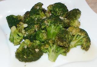 broccoli, broccoli reteta, broccoli cu usturoi ghimbir si ardei iute in sos de lamaie la tigaie, broccoli la tigaie, broccoli sote, retete vegetariene, retete, retete culinare, retete dietetice, broccoli gatit, broccoli de post, retete de post, garnituri, retete de mancare, retete sanatoase, preparate culinare, retete cu broccoli, preparate din broccoli, regim alimentar, cura de slabire, sanatate,
