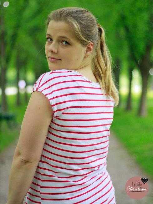 Was kann man aus nur einem Meter Stoff für Damenschnitte Schnitte nähen?