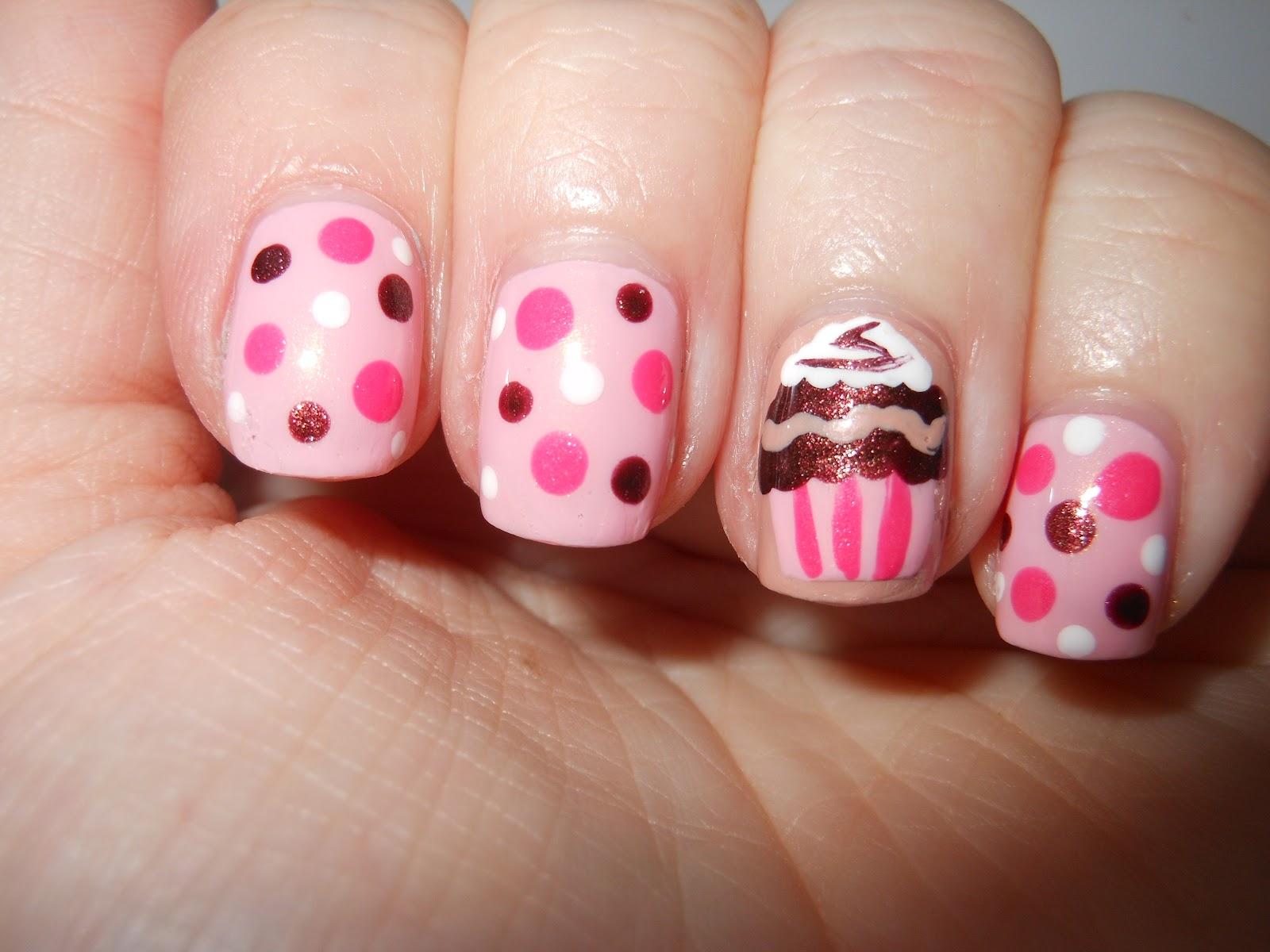 12 Cute Cupcake Nail Designs