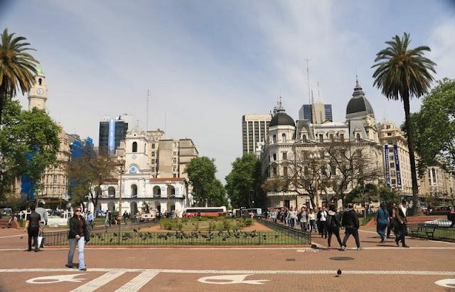 Plaza de Mayo em Buenos Aires no mês de março