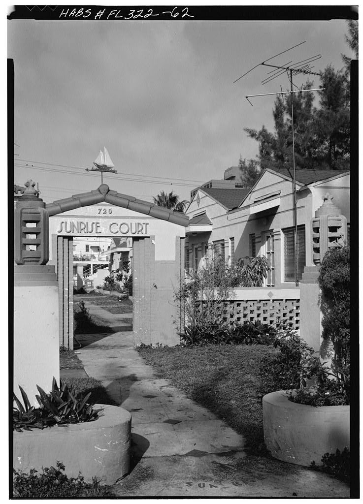 Sunrise Court Apartments 720 Lenox Ave Miami Beach All Photographs By Walter Smalling Via Library Of Congress