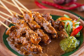 10 Makanan Indonesia yang Terkenal di Dunia