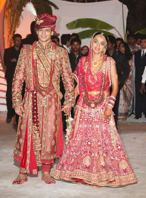 vivek oberoy, priyanka alva, vivek oberoy's wife, vivek oberoy's family, vivek oberoy's marriage pics, bollywood wives,