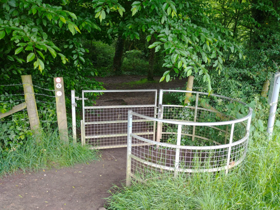 The metal gate leading in to Gobions Wood mentioned in point 6 above