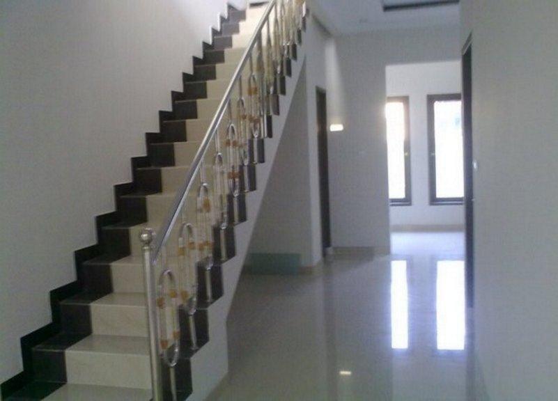 model keramik untuk tangga yang bagus