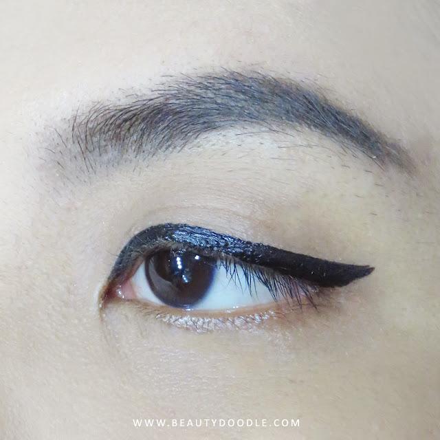 mineral-botanica-precision-eyeliner-pen