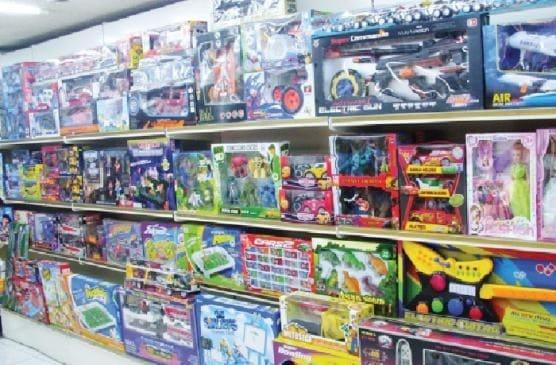 ألعاب أطفال مخالفة تغزو أسواقنا المحلية وأسعارها فوق الخيال !!