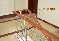 Bir merdiven korkuluğundaki küpeştenin gösterimi