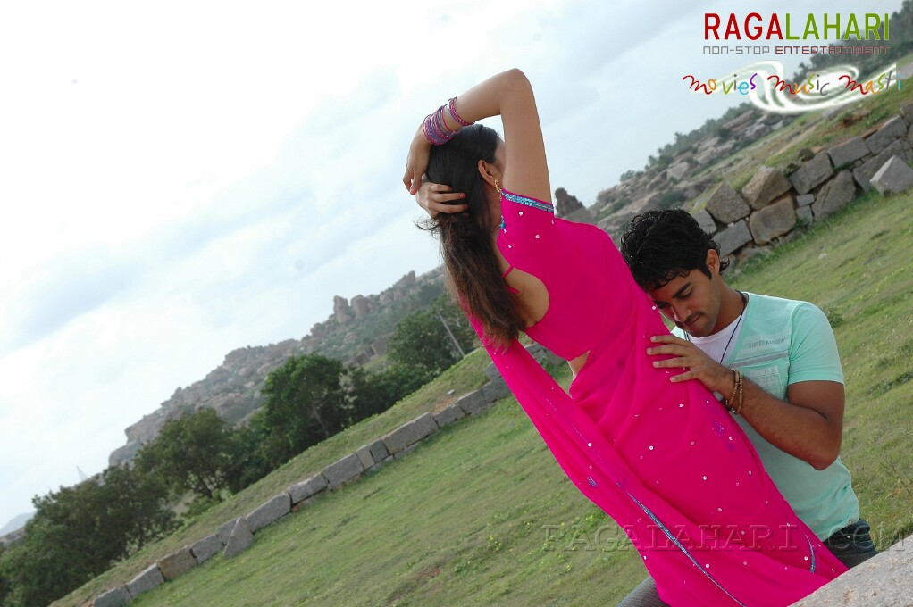 Kajal Agarwal Hot Navel Kiss Photos From Telugu Movie -9961