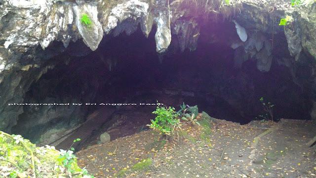 Kondisi pintu masuk Gua Donan di Kalipucang Kabupaten Pangandaran.