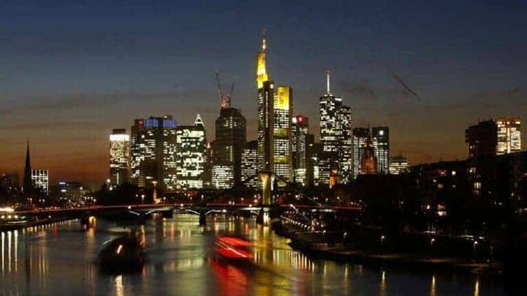 ألمانيا-تعتزم-تمديد-التباعد-الاجتماعي-حتى-5-يوليو-خوفا-من-عودة-انتشار-كورونا