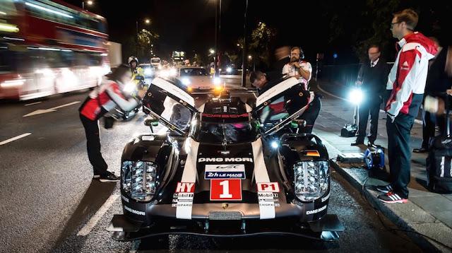 ポルシェのレーシングカー「919ハイブリッド」がロンドンを走る!