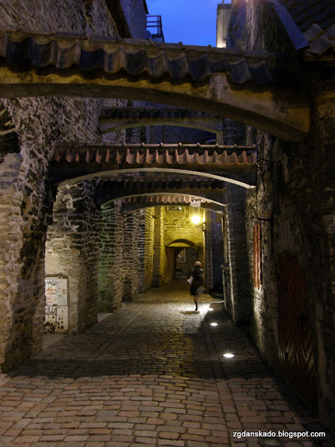 Tallinn nocą