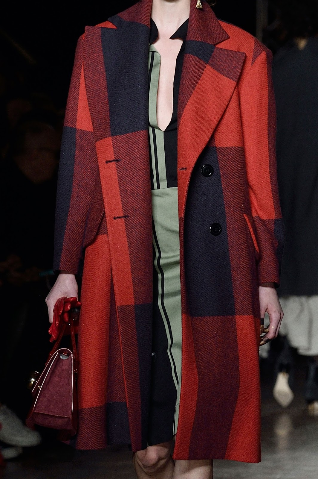 Vivienne Westwood Autumn/Winter 2016 via www.fashionedbylove.co.uk british fashion blog / london fashion week fall/winter 2016