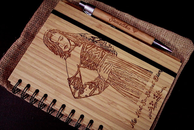 Customised notebook from WoodGeekStore.