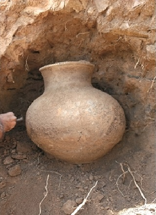 Neolithic pot unearthed in Kashmir