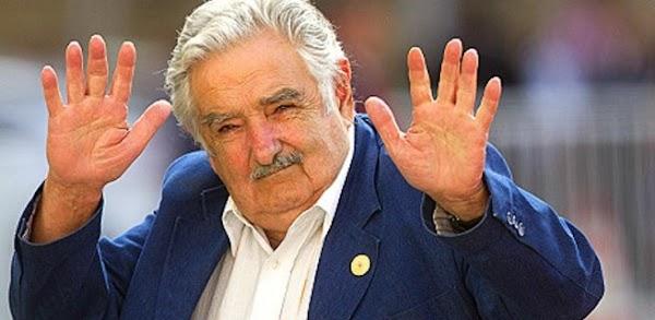 """""""No bajen los brazos contra el PRI"""", les pide Pepe Mujica a los jóvenes mexicanos"""