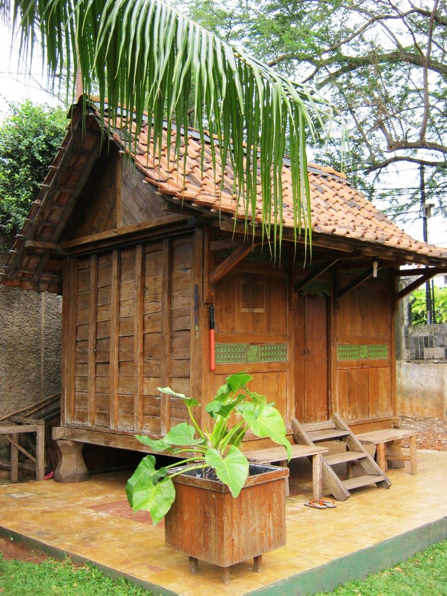 gazebo kayu untuk taman dan kebun jasa bangun rumah kayu