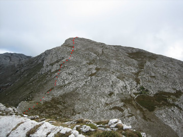 Rutas Montaña Asturias: Desde el Cuervo, el pico Lobiu