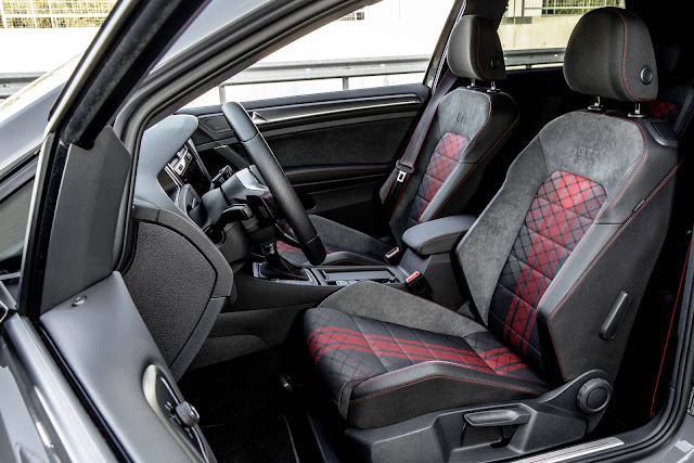 VW Golf GTI 2019 TCR 290 cv - interior