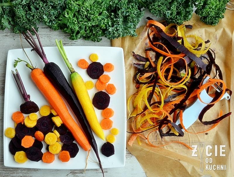 czarna marchew, fioletowa marchew, kolorowe marchewki, gulasz