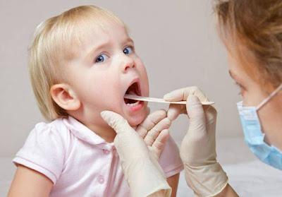 7 Cara Efektif Mrengatasi Radang Tenggorokan Pada Anak