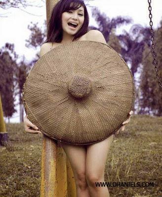 semprot foto bugil cewek abg perawan desa narsis