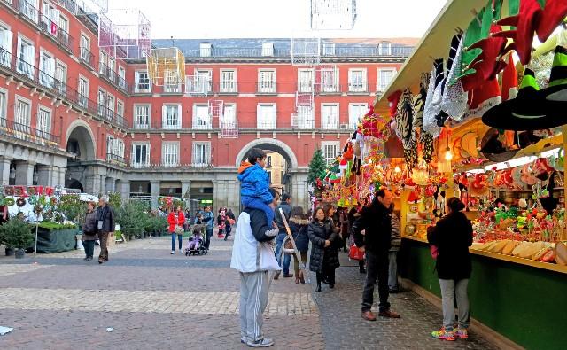 mercatini-di-natale-a-madrid-plaza-mayor-poracci-in-viaggio