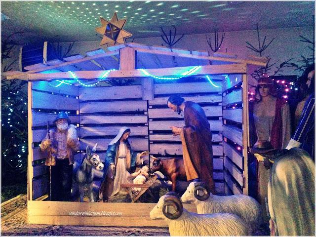 Święta Rodzina, pastuszkowie, zwierzęta, trzej królowie