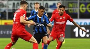 انتر ميلان يضرب موقع مع نابولي في نصف نهائي كأس إيطاليا بعد الفوز على فيورنتينا