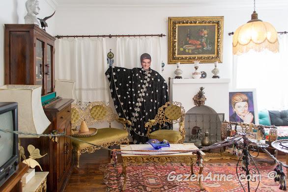 Zeki Müren'in mütevazi döşenmiş Bodrum'daki evi