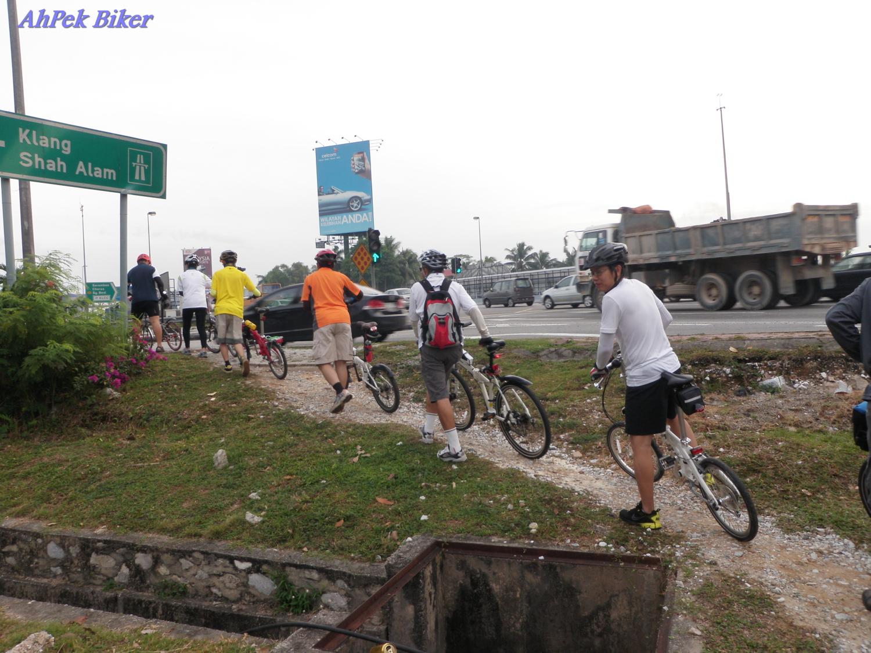 AhPek Biker - Old Dog Rides Again: Selangor : Gangnam Style