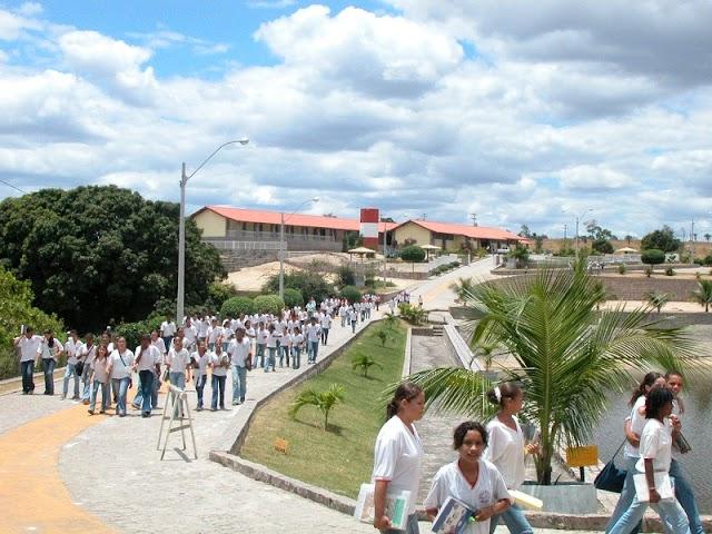 Saiba quando as aulas municipais e estadual retomam em Macajuba