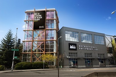 REI receives 5-Star Rating from TopConsumerReviews.com