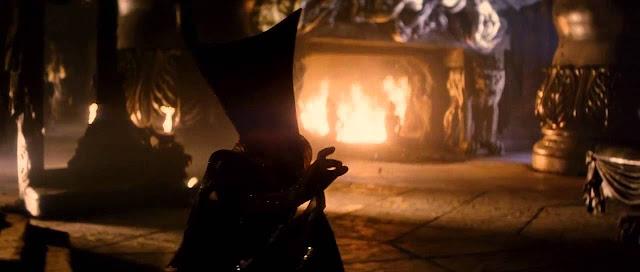 L'Ange maléfique, miroir de la princesse Lili. Lui aussi, sans visage. Extrait de Legend réalisé par Ridley Scott (1985)